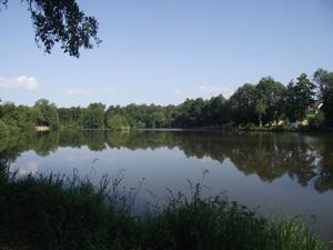 Vue de l'étang d'Evrieu