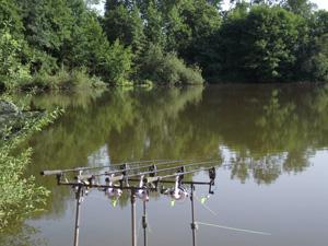 Poste de pêche à Evrieu